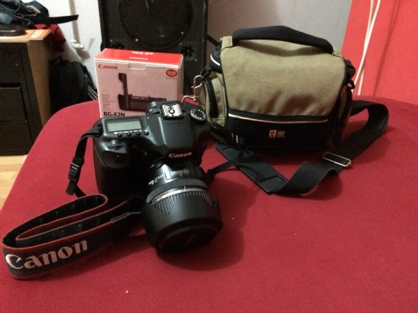 Canon 40d Body +grip + Canon 17-85 Usm İs Lens